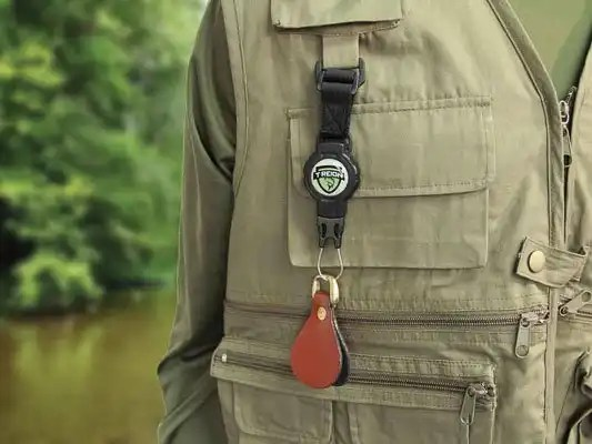 Retractable Tether Small 4