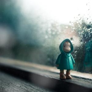 photo 1484889176133 94079a66d71a - Test rysunkowy – Człowiek w deszczu – szkolenie online- 25.08.2020