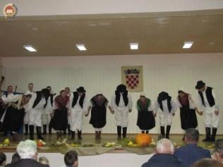 6-vecer-folklora-pokuplje-u-srcu-lasinje-108