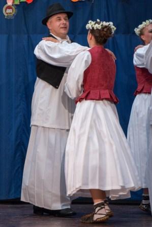 cjelovecernji-folklorni-koncert-odraslih-skupina-183