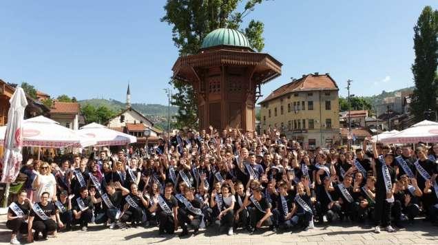 Defile učenika devetog razreda Općine Stari Grad Sarajevo