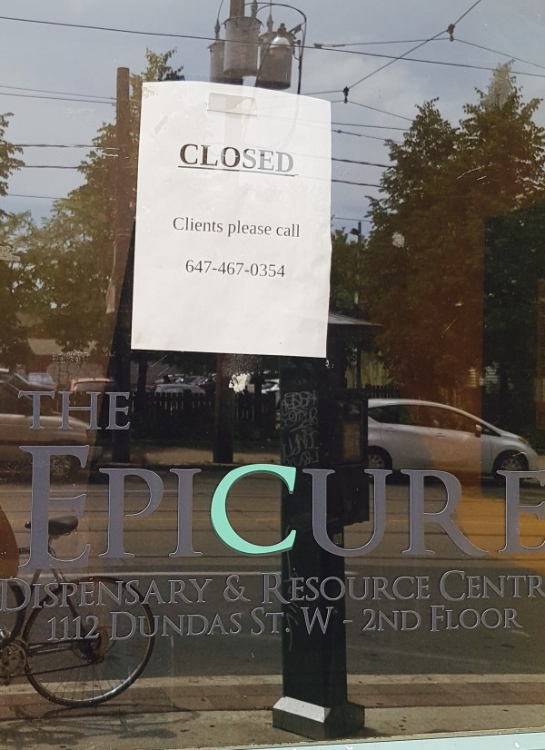 Epicure Closed sign