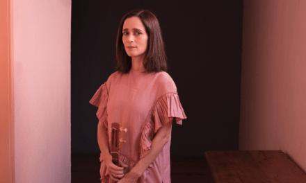 Julieta Venegas anuncia gira por Chile en formato íntimo