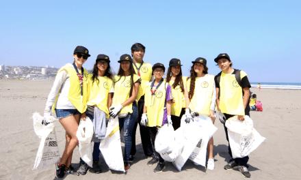 Cerca de 250 voluntarios participaron de la limpieza de la playa La Boca en Concón