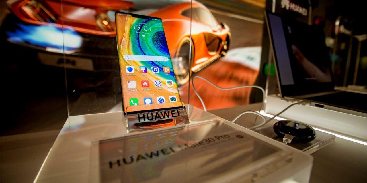 Huawei Chile presentó su nuevo Huawei Mate 30 Pro con experiencia de lujo para clientes