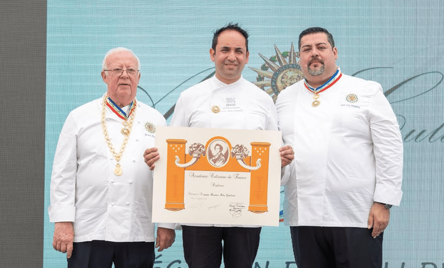 Chef Corporativo de Nestlé distinguido en Chile porL´Académie Culinaire de Francia