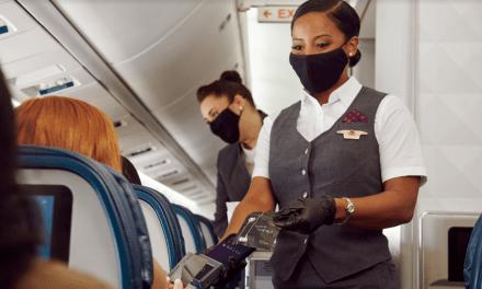 Delta estrena la última tecnología de pago sin contacto a bordo