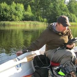 Vihtijärven vesistökuormitusta selvitetään veneestä ja kopterista