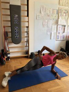 Simonetta-alibrandi-Osteopata-posturologo-personal-trainer-lombalgia-postura-corretta-esercizi-mal-di-schiena-rinforzo-core-side-plank