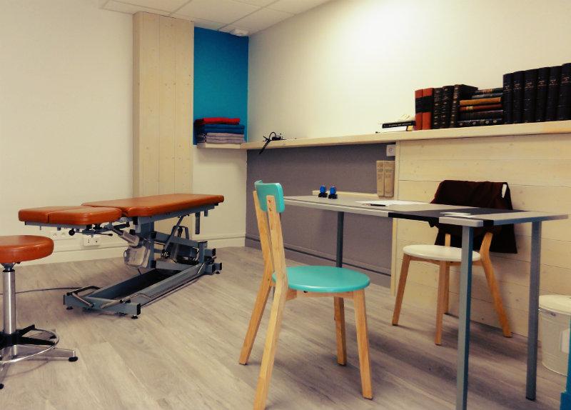Salle de consultation du cabinet d'ostéopathie Gas & Guibert - ostéopathe Romagnat