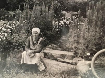 """Katarina """"Karin"""" var äldst av Frits syskon.ldsta syskon"""