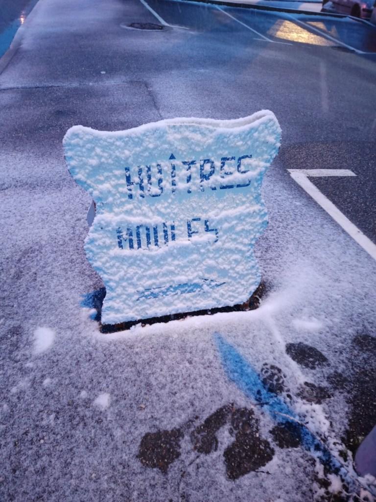 Panneau Publictaire sous la neige