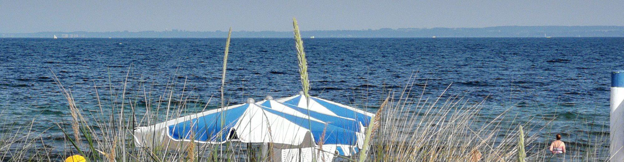 Ostsee Ferienhaus Sonnenschirme