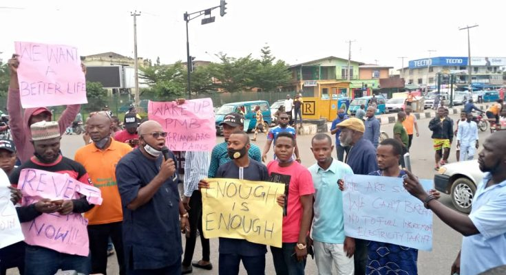 Civil Societies and students gives Buhari 5-day ultimatum to reverse the hike in electricity tariffs and fuel price