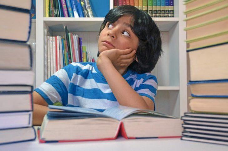 読書感想文の簡単な書き方やコツは?小学生の低学年向けはこれで解決!2