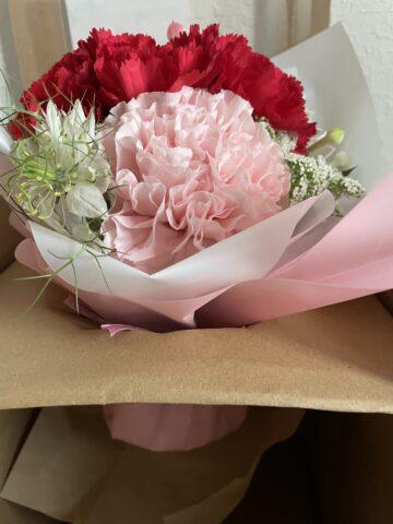母の日おしゃれ安い花束取り出し方1