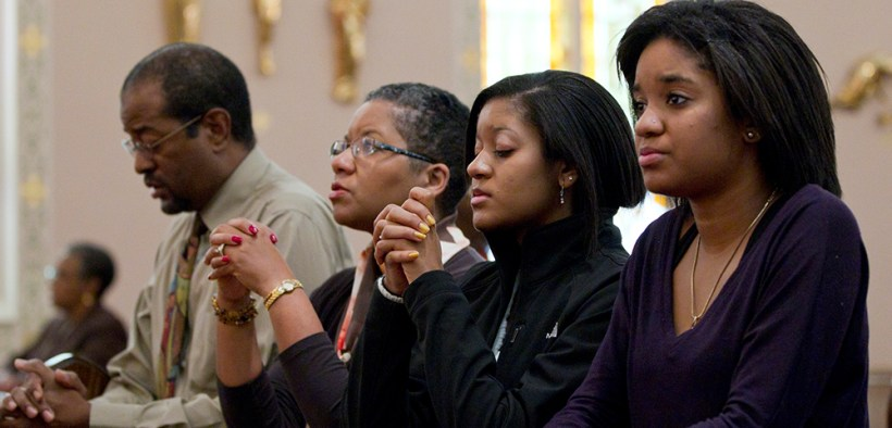 AFRICAN-AMERICAN FAMILY PRAYS 2011