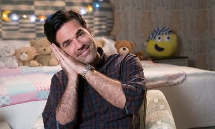 Comedian Rob Delaney to tell CBeebies bedtime story in Makaton