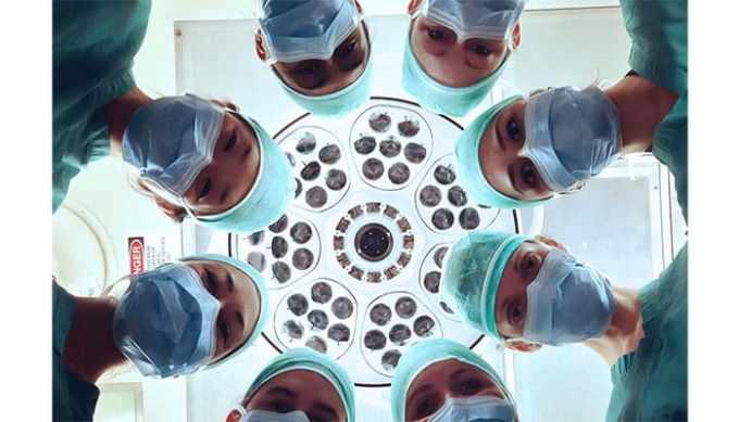 複数の医師たち