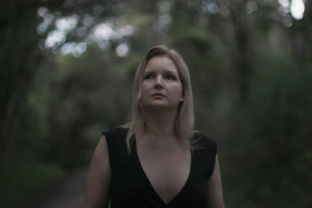 Elize Matsunaga em seu próprio documentário na Netflix.