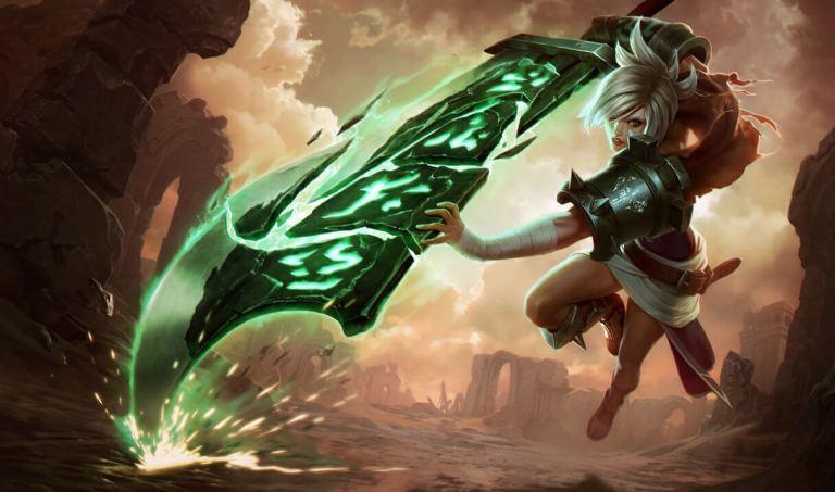 A imagem mostra Riven, campeã de League of Legends Wild Rift, avançando com sua espada estilhaçada. Otageek
