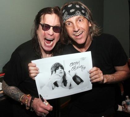 Ozzy Osbourne e Mark Weiss - Resenha do livro de Weissguy - Otageek