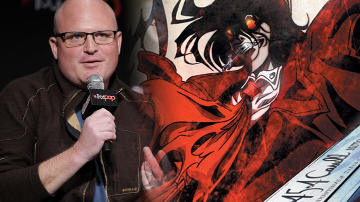 Derek Kolstad ao lado uma imagem de Hellsing