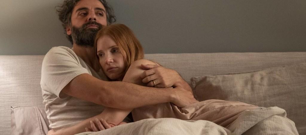 """Imagem promocional da minissérie """"Cenas de um Casamento"""", estrelada por Oscar Isaac e Jessica Chastain"""