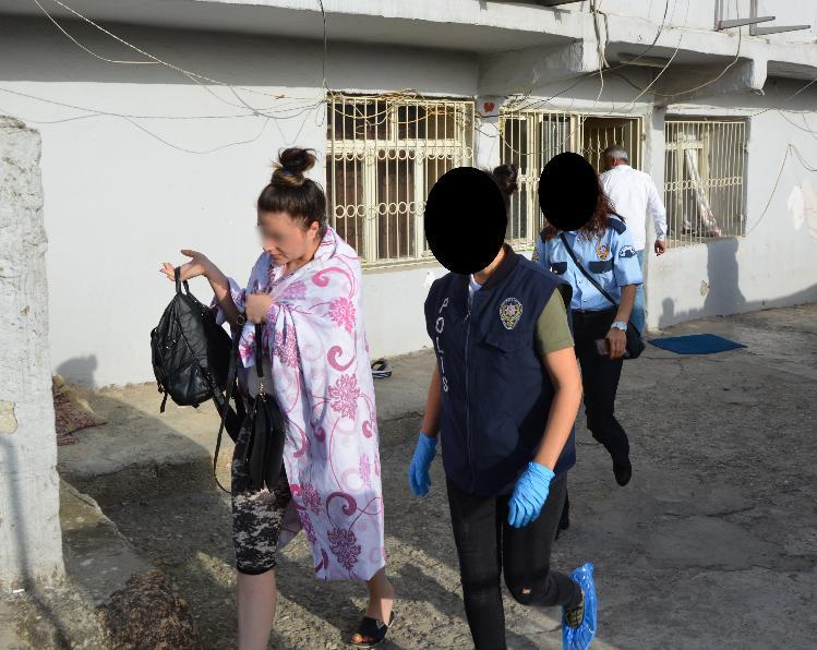 KOZAN'DA 300 POLİSLE FUHUŞ OPERASYONU