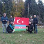 ŞUŞA'NIN ALINMASI KOZAN FOTOĞRAFÇILARI TARAFINDAN AZERBAYCAN BAYRAĞI AÇILARAK GÖLLER'DE KUTLANDI