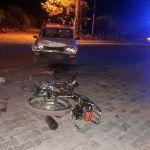 KOZAN'DA MOTOSİKLETLE OTOMOBİL ÇARPIŞTI 1'İ AĞIR 2 KİŞİ YARALANDI