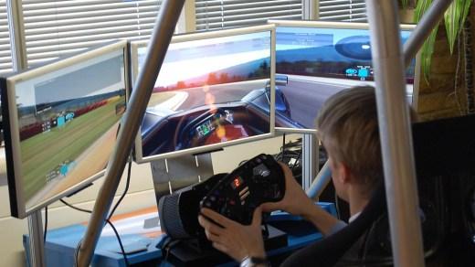 Rassurez-vous, tout porte à croire que Project CARS sortira... Sur NX. Ou pas...