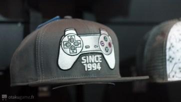 Une casquette manette Playstation