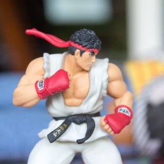 L'Amiibo Ryu est vraiment sublime, bien que son corps fasse un peu plastique...