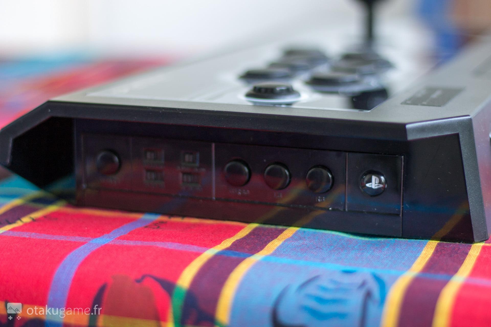 Les fameux switchs dont celui permettant de passer du mode PS4 au mode PC !