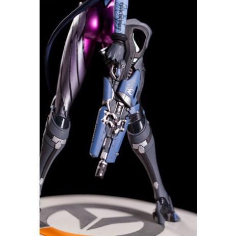 Figurine de 30cm de Fatale (Widowmaker) par Blizzard
