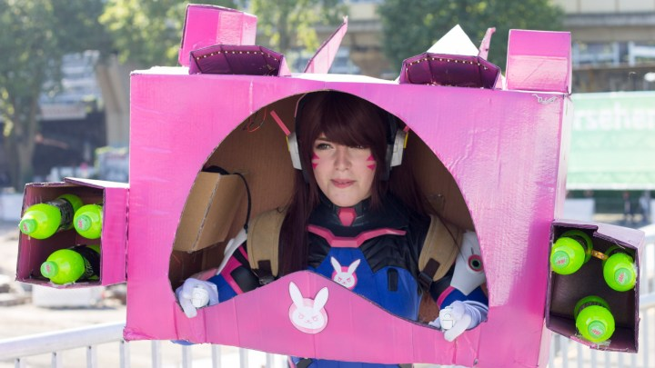 Cosplay D.va Carton Gamescom 2017