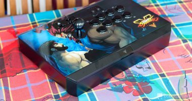Le Stick Arcade Razer Panthera édition Street Fighter V