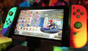 Le comble, c'est que Nintendo utilise des solutions portatives en salon. Mais officielles !