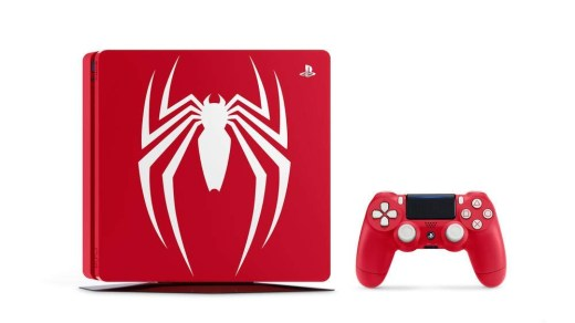 Avouons le : Cette PS4 est très sexy ! Difficile de résister aux précommandes...