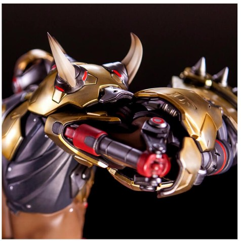 Figurine de Doomfist (officielle Blizzard)