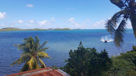 Quand on vit sur une si belle île, on doit payer la taxe soleil !