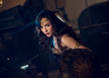 """Cosplay Wonder Woman đầy khí chất """"Chị Đại"""" của coser người Việt Neyu H"""