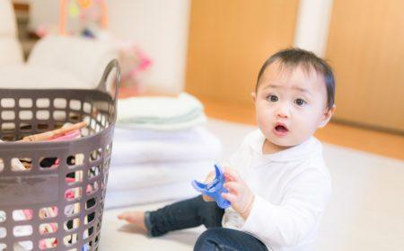 洗濯物と赤ちゃん