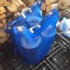針葉樹のスウェディッシュトーチ用の玉が虫に食われないように、メッシュカバーに入れました。
