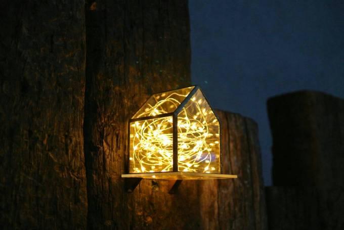 【夜の写真】あまり見た事がないオシャレ門柱の灯り