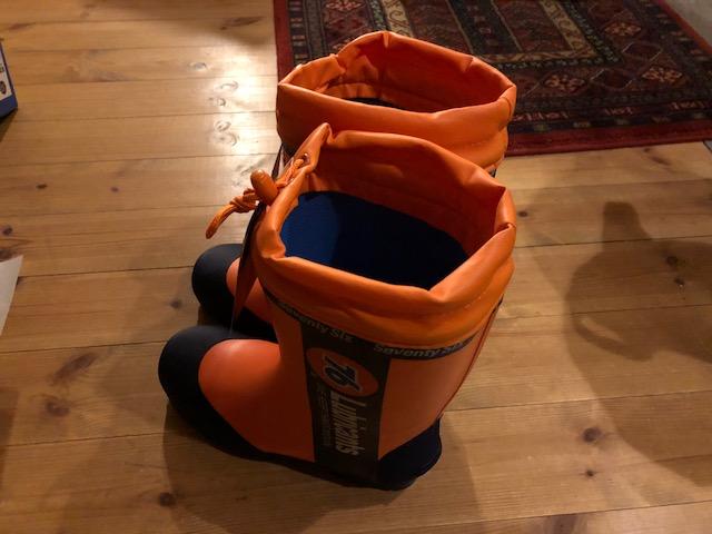 安全ブーツを新調しました。