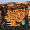 【雑木薪を積む】朝から1時間ほど、雑木を積みました。