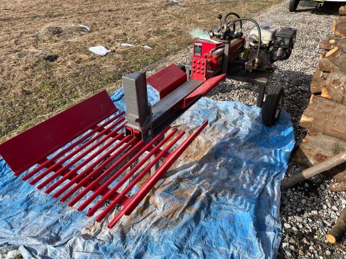 【薪割り機】久々の20トン薪割り機の登場!