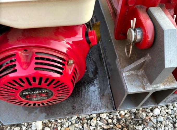 【ピンチ】薪割り機TW-2からガソリンが漏れる